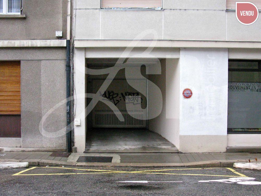 garage grenoble box garage vendre grenoble 38 20000 eur lsp immobilier rives. Black Bedroom Furniture Sets. Home Design Ideas