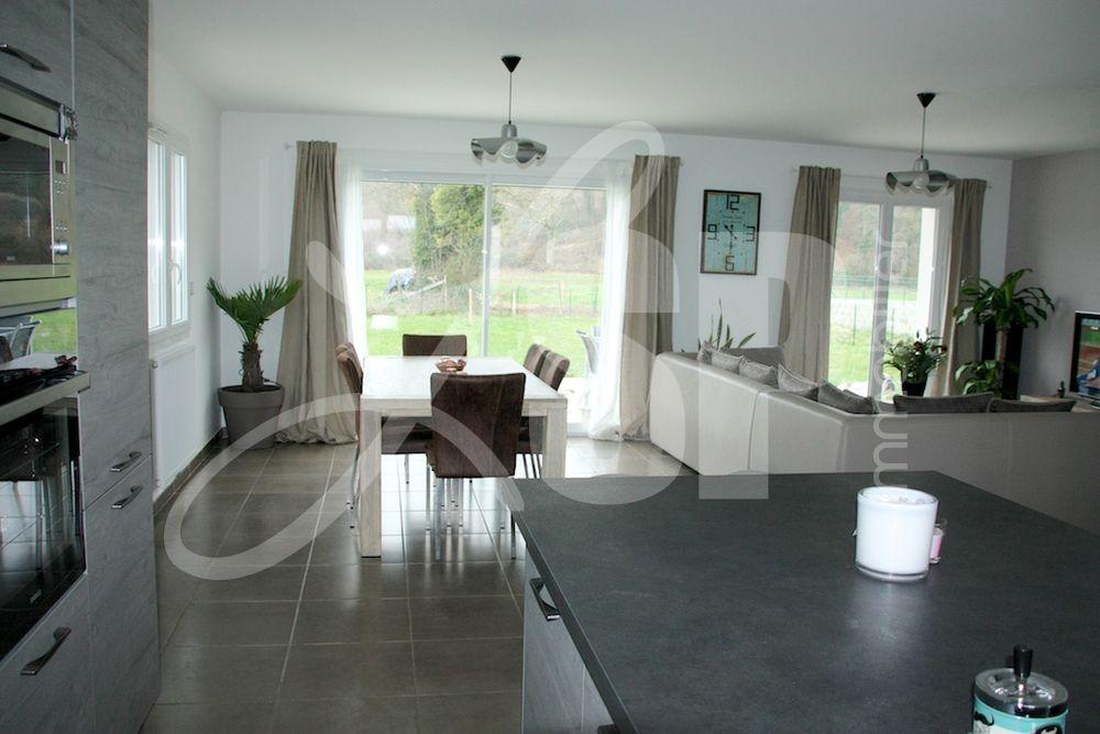 Villa plain pied rt 2012 maison villa vendre rives 38 for Prix maison rt 2012 plain pied