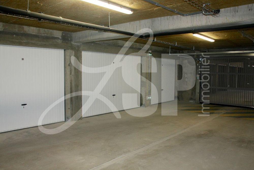 garage centre ville box garage vendre rives 38 13250 eur lsp immobilier rives. Black Bedroom Furniture Sets. Home Design Ideas